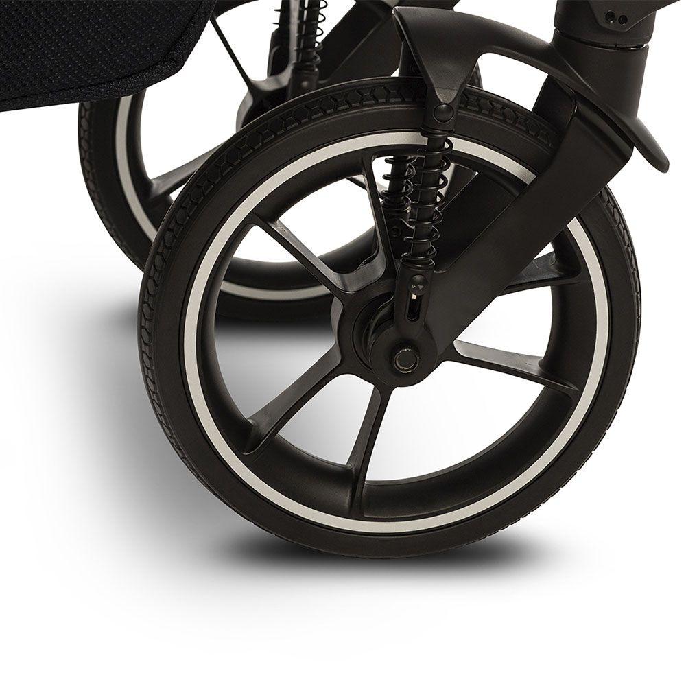 Передние колёса оснащены подвеской и специальными подшипниками